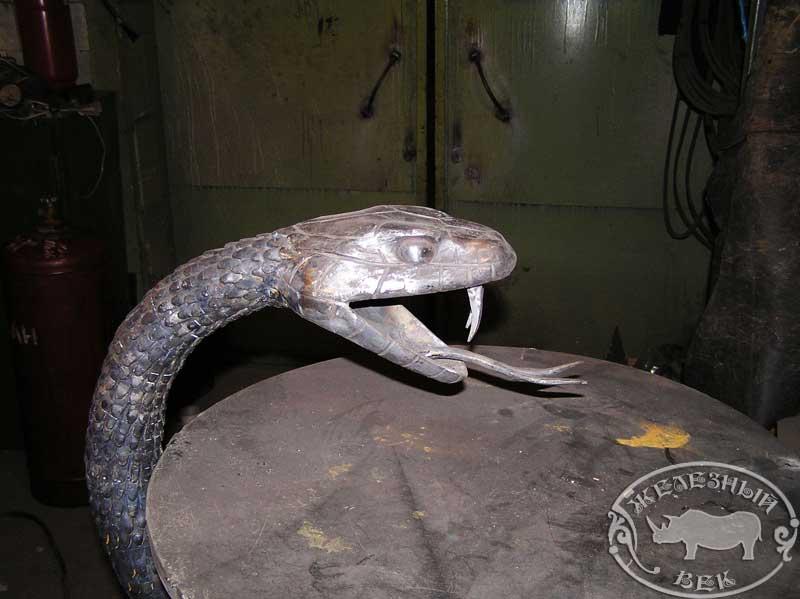 Змеи из металла своими руками 25