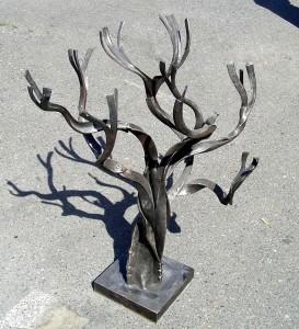 Древо знаний. Декоративная скульптура.