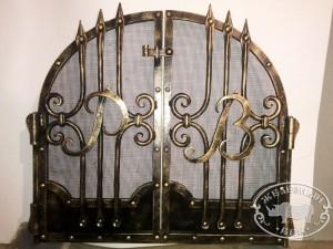 Дверцы камина именные кованые